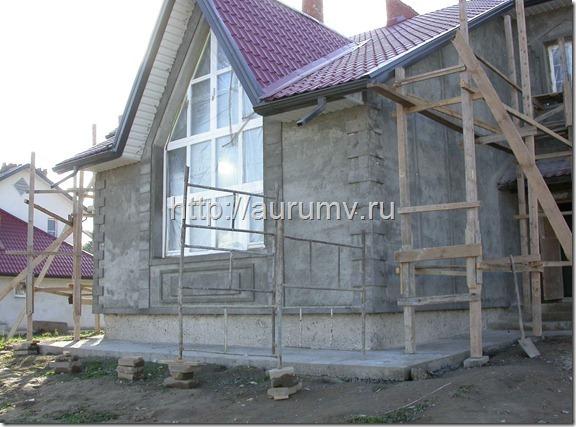 Оштукатуркенный фасад дома из газоблоков