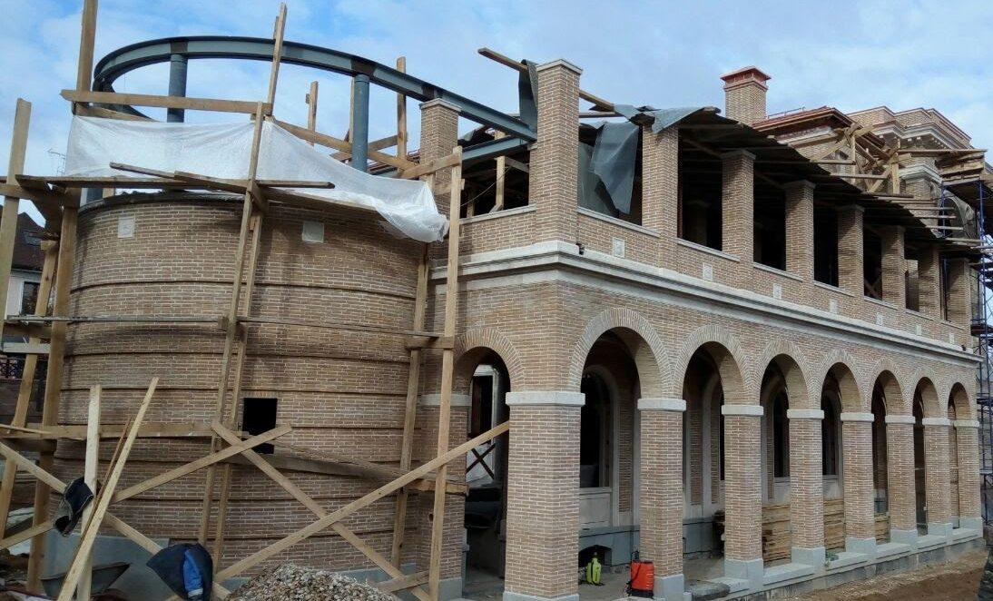 Строительство домов из кирпича фото