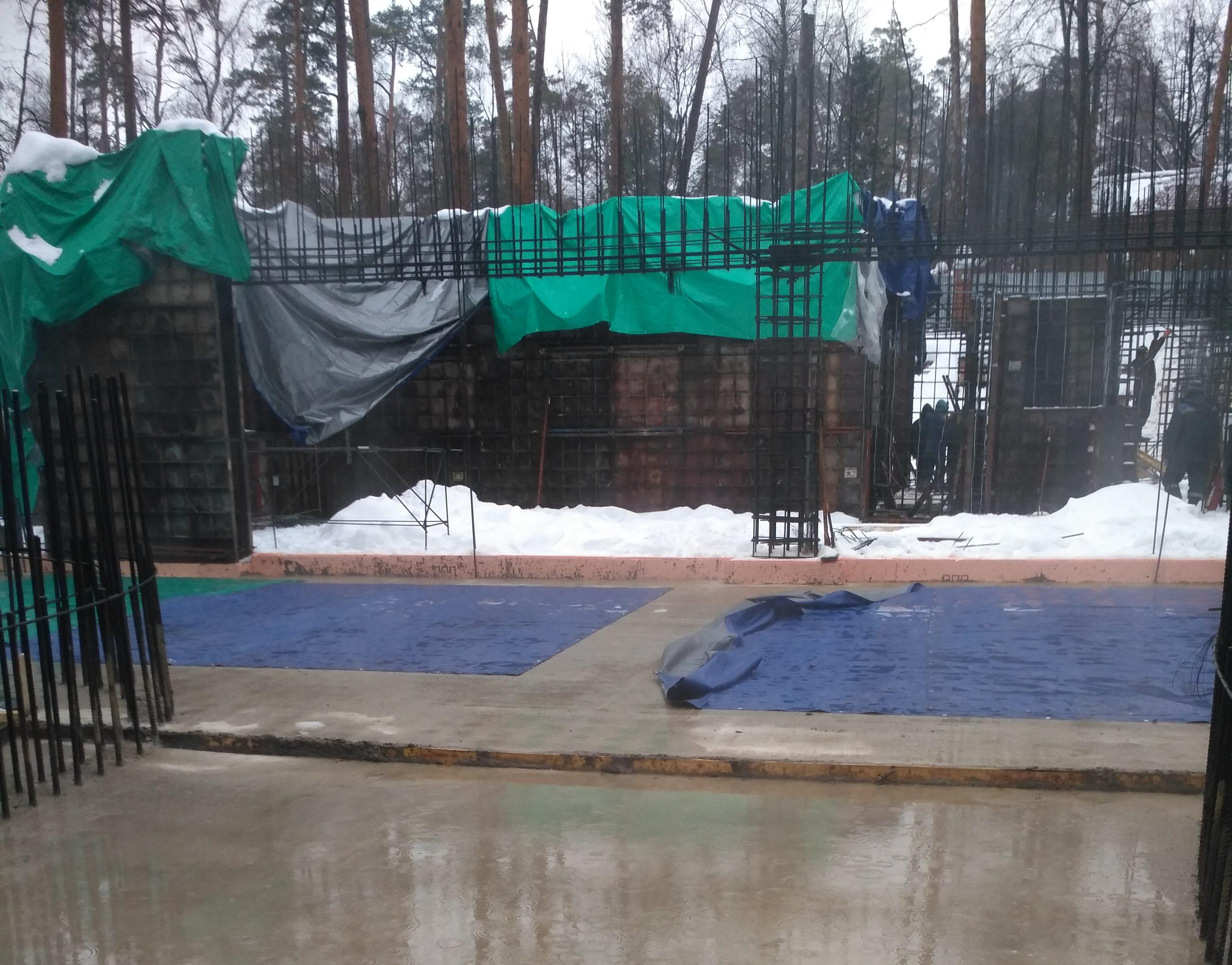 Строительство коттеджа зимой фото